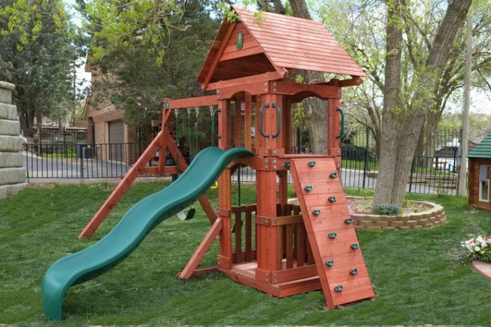 Wooden swing sets small yards 2017 2018 best cars reviews for Small wooden swing sets